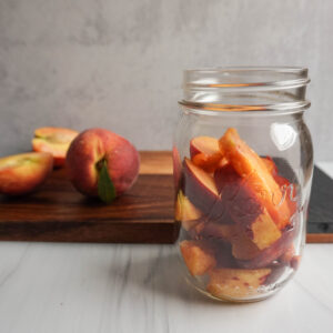 how to make peach infused bourbon